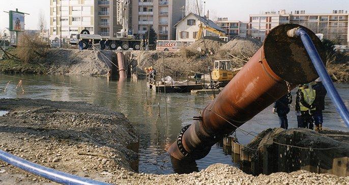 Pose en immersion - traversée de rivière - canalisations en fonte ductile - Saint-Gobain PAM