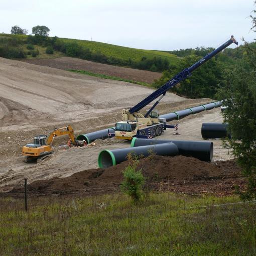 stockage sur chantier et pose des tuyaux pluvial