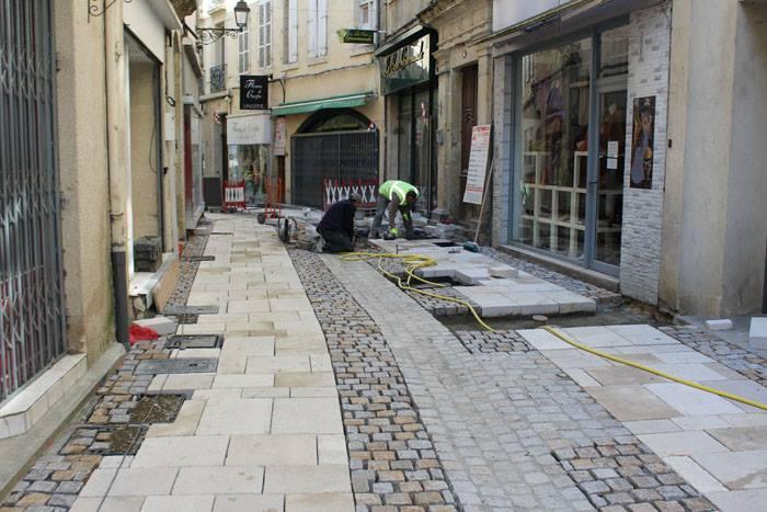 Rue ville d'Auch installation fonte de voirie